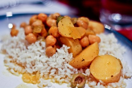 Garbanzo Guisado with Olives & Fingerlings / Puerto Rican Vegan Recipe / Mere Living